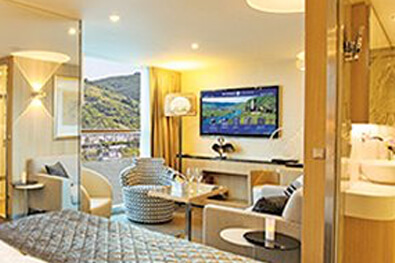 luxurious cruise suites